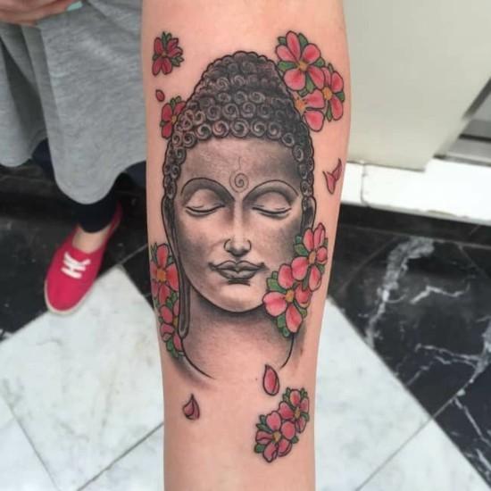 buddha kirschblüten tattoo arm