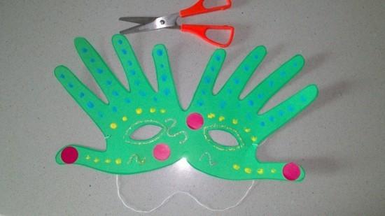 handabdruck maske basteln mit kindern zu fasching