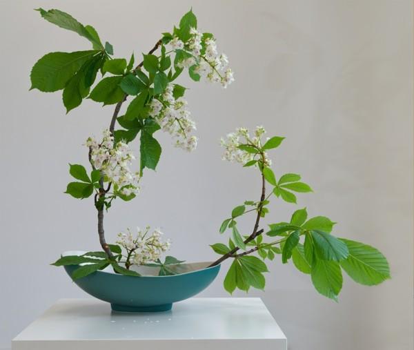 ikeban kastanienblüten japanische blumensteckkunst