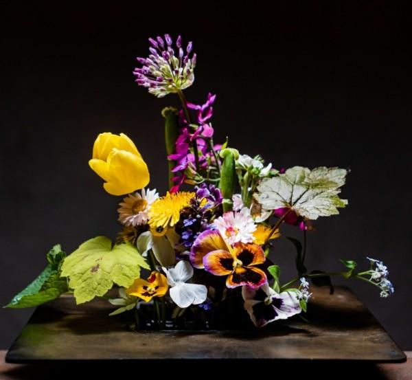 ikebana japanische blumensteckkunst frühlingsblumen