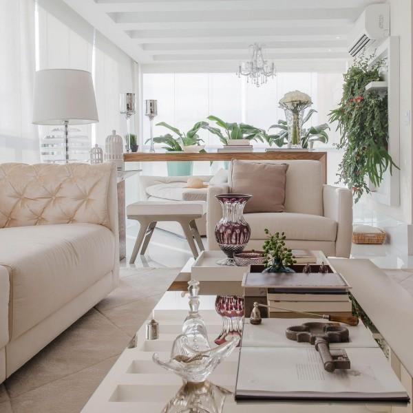 moderner Wohnraum - Wohnzimmertisch deko