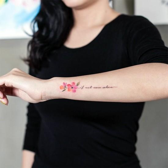 unterarm kirschblüten tattoo mit schrift