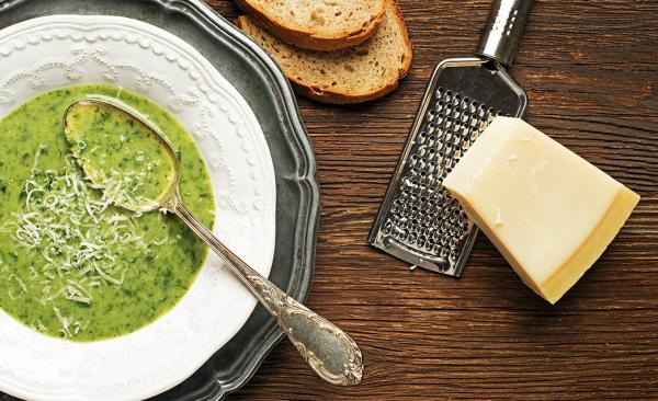 Bärlauch in der Küche mit dem Wildkraut eine schmackhafte Suppe zubereiten leicht und schnell