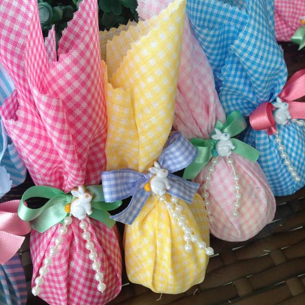 Basteln mit Kindern - bunte Geschenktüten