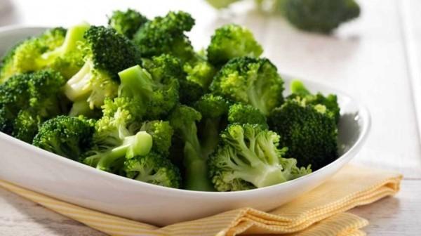 Brokkoli roh essen gesundheitliche Vorteile Brokkoli Röschen