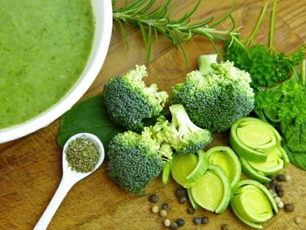 Brokkoli roh essen gesundheitliche Vorteile Brokkoli Suppe
