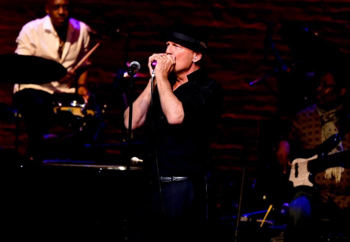 Bruce Willis Hollywood Star feiert 65. Geburtstag singt gern in der Freizeit in einer Musikband
