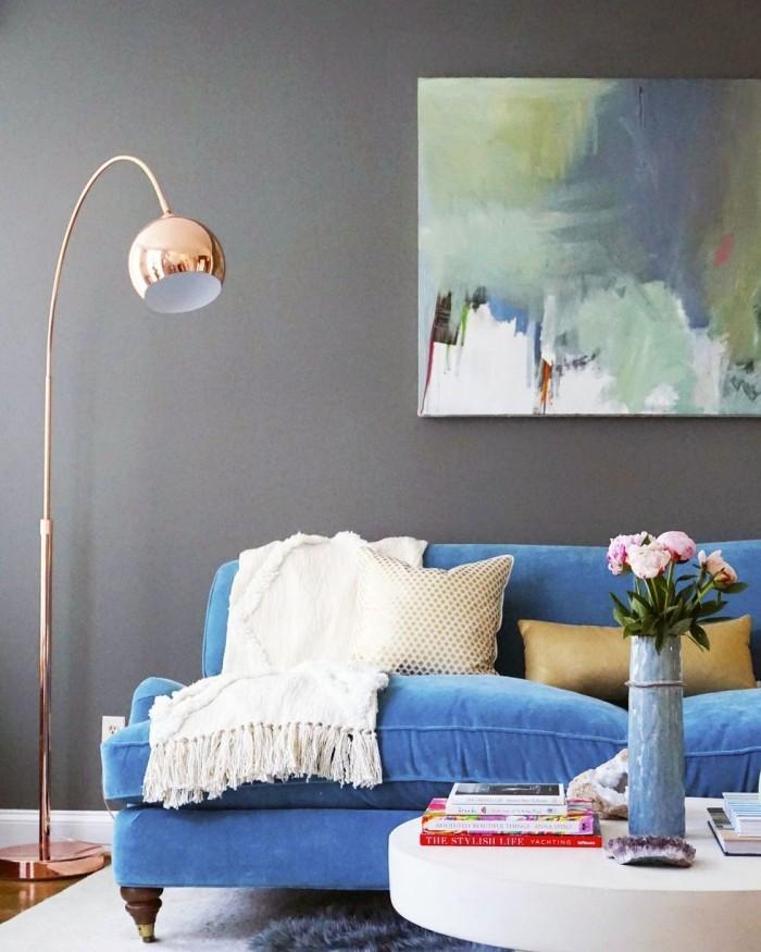 Geheimnisse des Innendesigns enthüllt blaue Couch