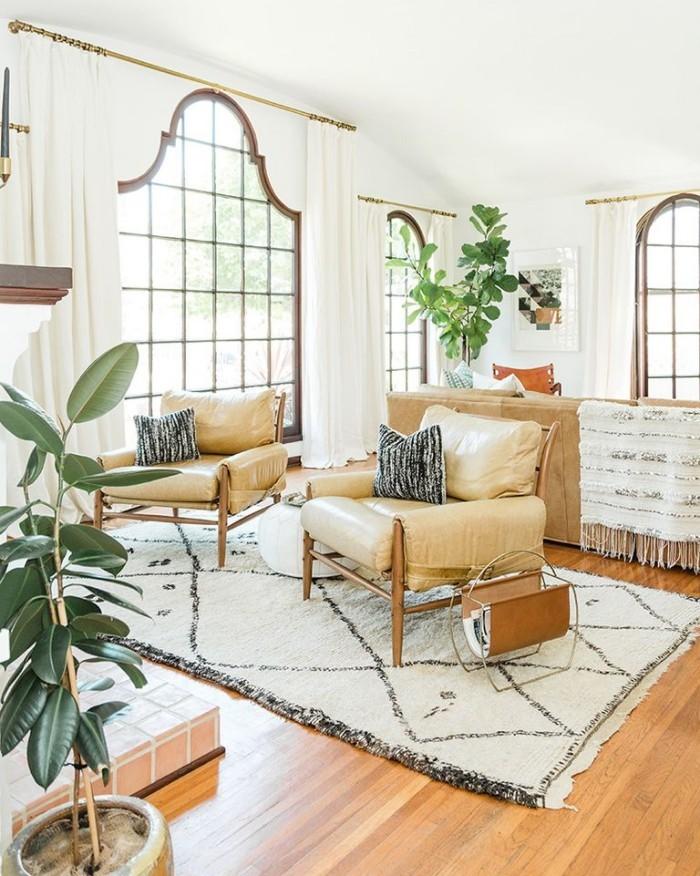 Geheimnisse des Innendesigns enthüllt gemütliches Wohnzimmer bequeme Möbel viel Licht einladend beruhigend