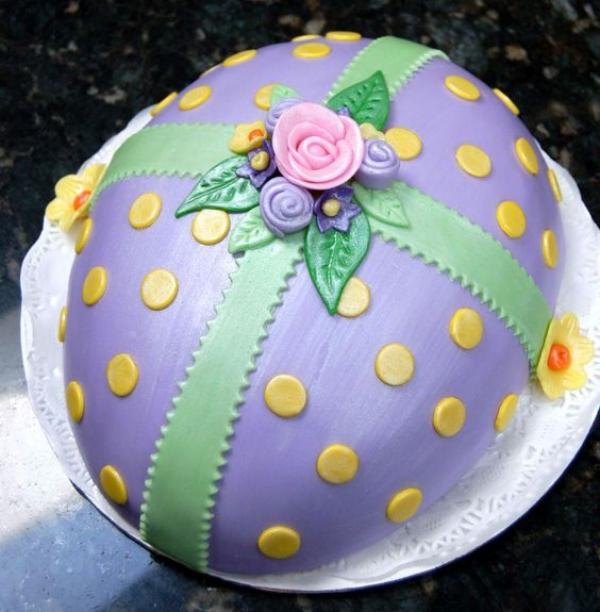 Idee in Form von einem Osterei Torte für Ostern