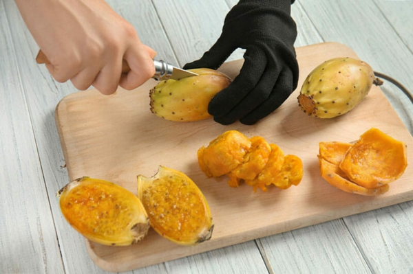 Kaktusfeige essen Kaktusfrucht gelb Feigenkaktus Opuntie