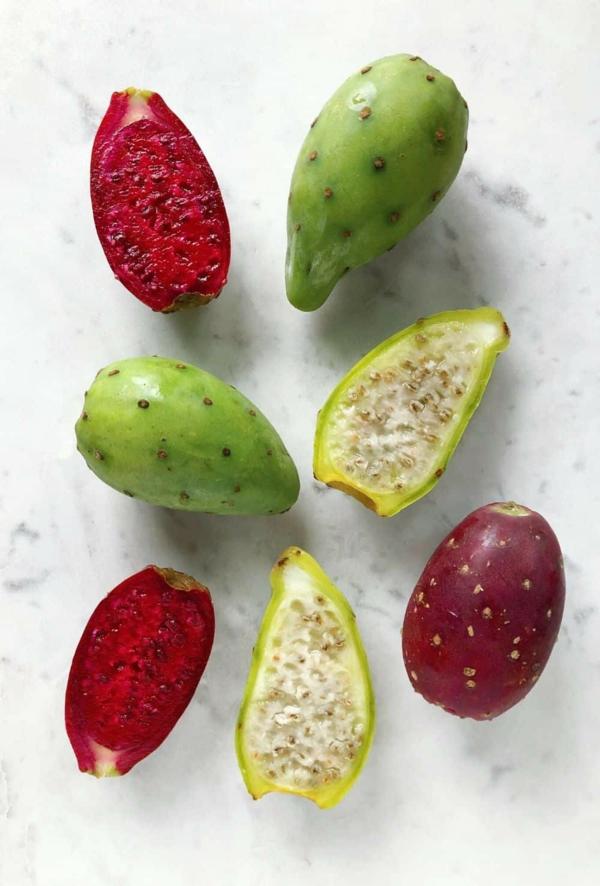 Kaktusfeige essen Kaktusfrucht verschiedene Farben Opuntie