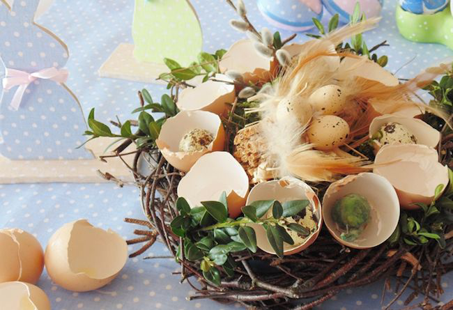 Korb mit Schalen aus Ostereiern Oster-Bastelideen