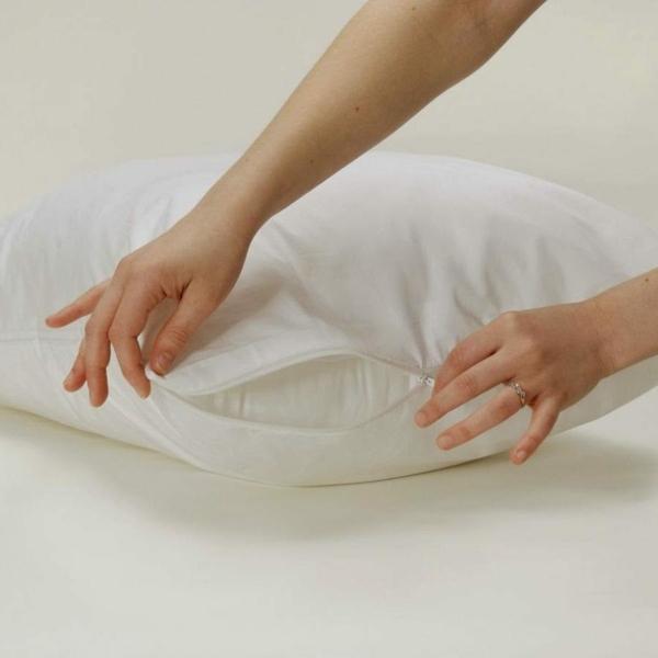 Milben im Bett Bettmilben bekämpfen Kopfkissen