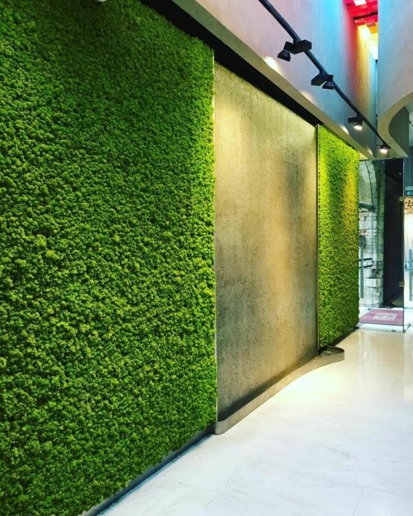Mooswand Biophilie grüne Wandverkleidung Betonwand