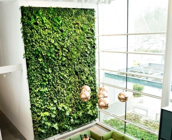 Mooswand selber machen Biophilie Wandverkleidung hohe Zimmerdecke