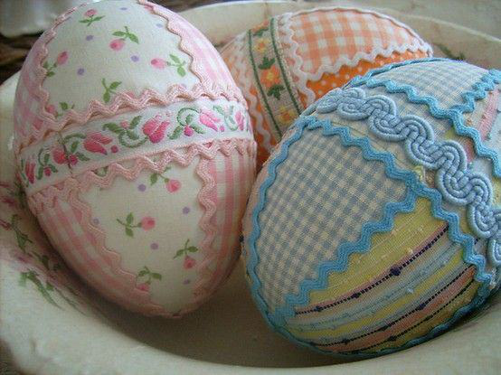 Oster-Bastelideen - Ostereier dekorieren mit Stoff