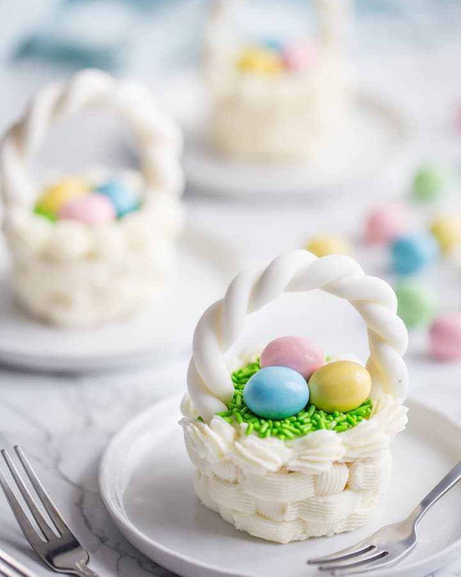 Oster-Bastelideen - mit Ostereiern dekorieren