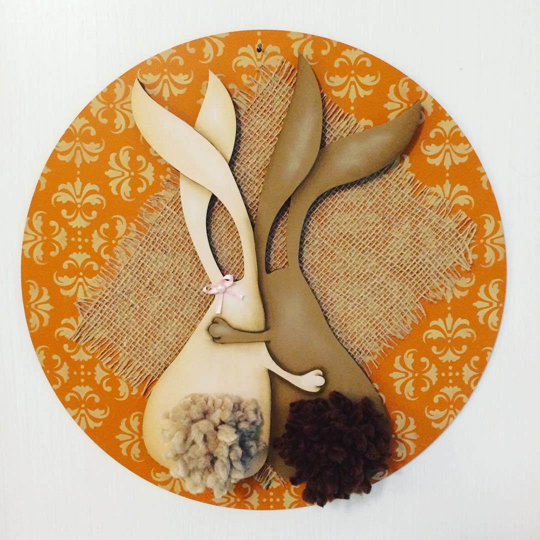 Oster-Bastelideen - rundes Stück mit Hasen