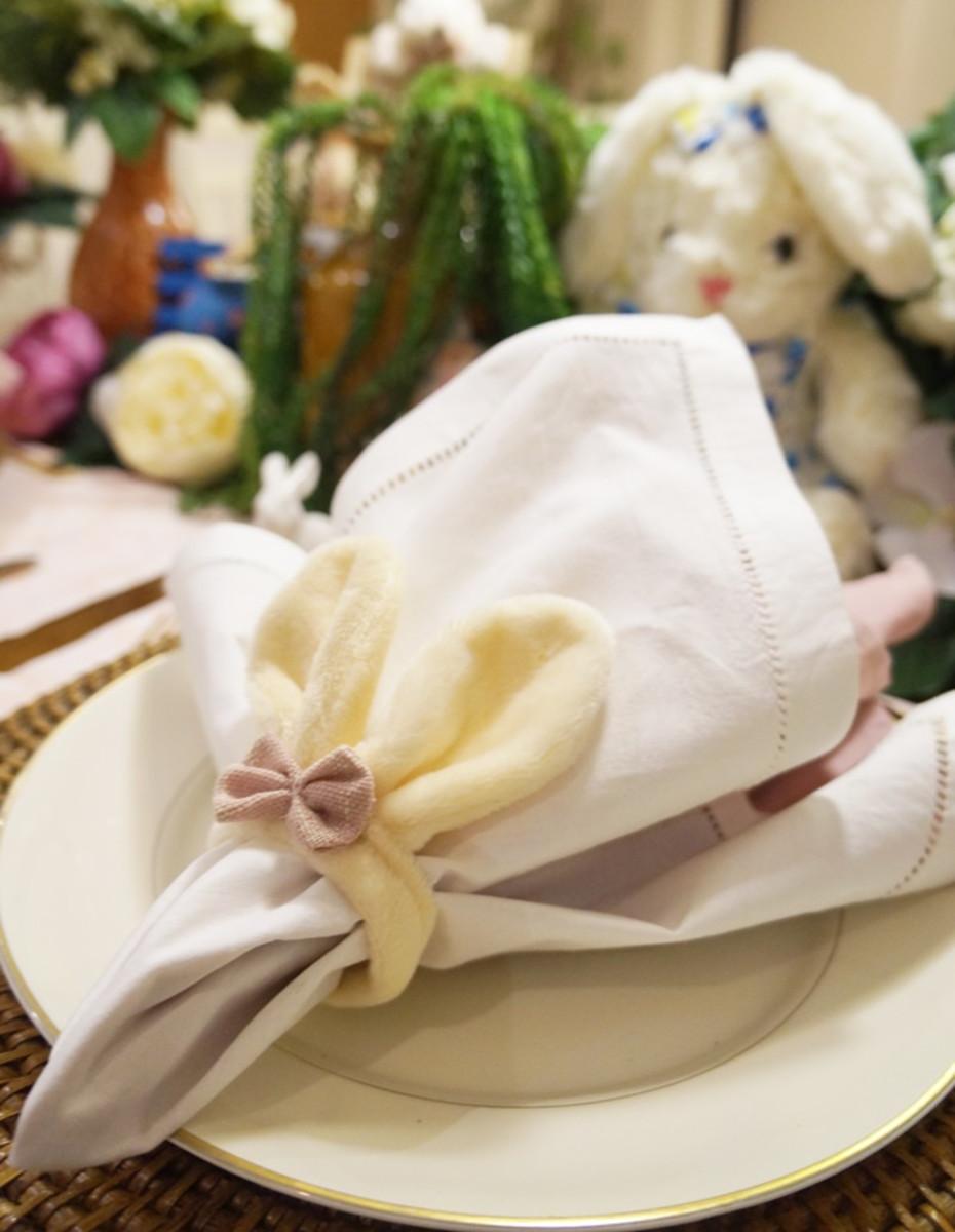 Servietten Falten - Teller und den Tisch schmücken