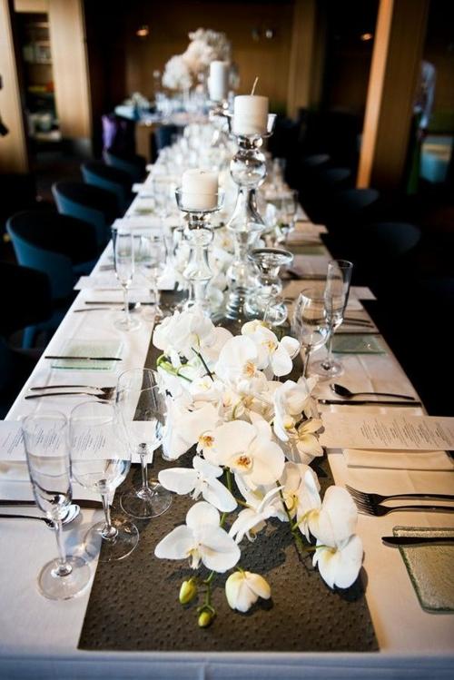 Tischdeko mit Orchideen Tisch decken Festtag Tischläufer