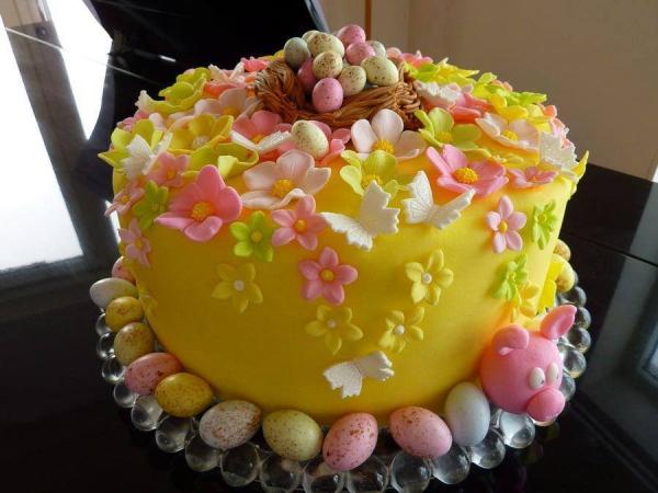 Torte für Ostern Früchtetorte