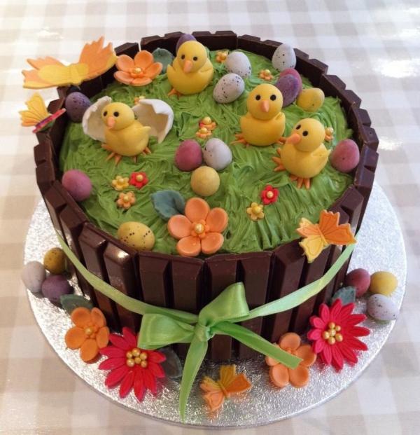 Torte für Ostern Hähnchen Dekoration
