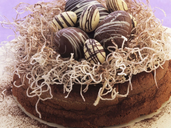 Torte für Ostern Kuchen Schockoladeneier DIY Ideen
