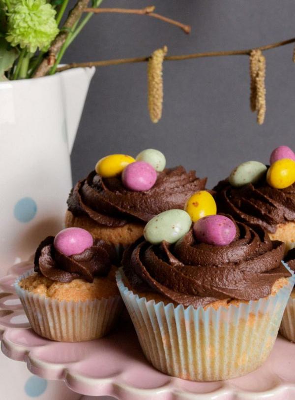 einfache muffins osternest backen mit schokolade bonbons