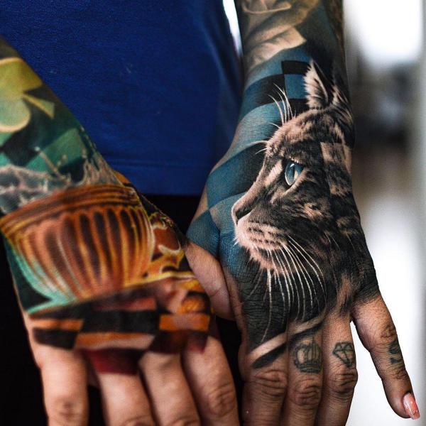 farbuge ideen für die hände tattoos 2020