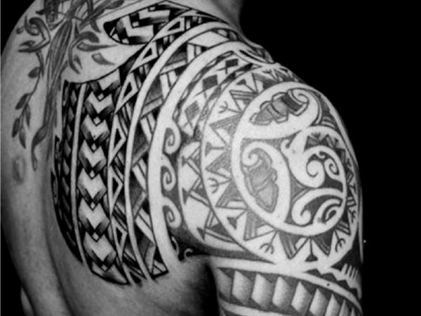 indianer tattoo - tätowierung für die schultern