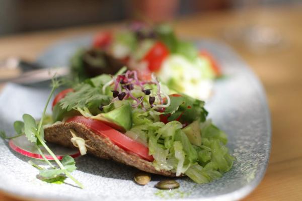 magenschonendes essen - leckere Brot und Gemüse