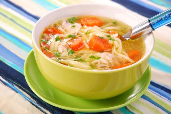 magenschonendes essen - suppen mit leckerem Gemüse