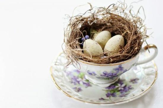 nachhaltige ostern vintage tischdeko porzellantasse