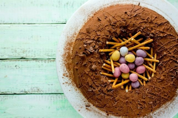 osternest backen osterkuchen minieier bonbons salzstangen