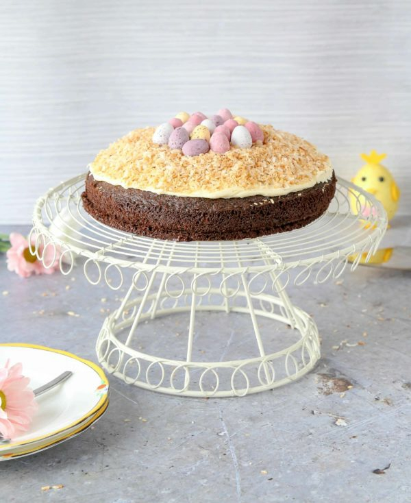 schokoladenkuchen osternest backen creme mini bonbons