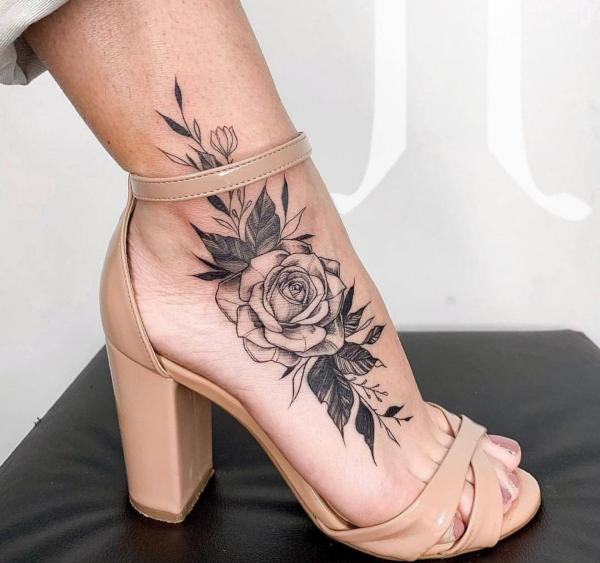 schuhe trends bei den damen tattoos 2020