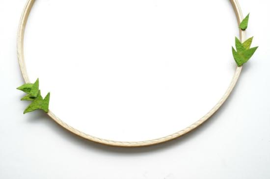 stickrahmen osterkranz basteln mit eierkarton