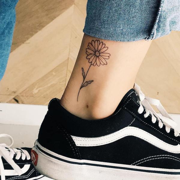 tattoos 2020 Hose Blumen Ideen