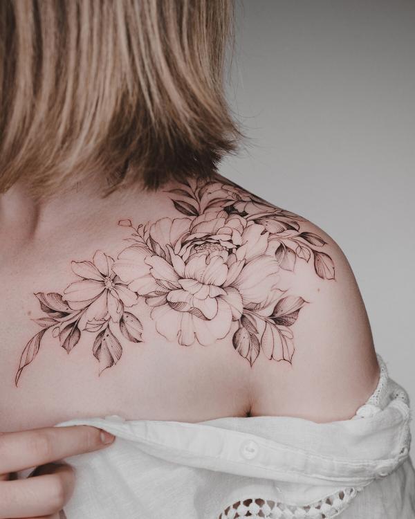 tattoos 2020 schwarz weiße ideen