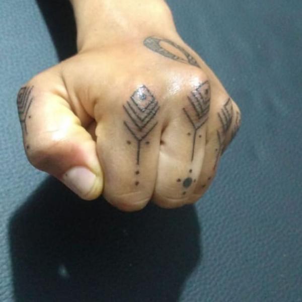 tolle muster - ideen für die damen - indianer tattoo