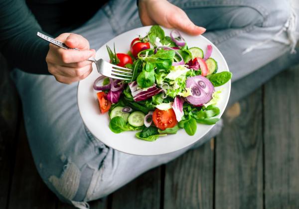 Abnehmtipps - salat und gesunde Mahlzeiten