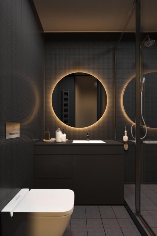 Badezimmer in Schwarz und Gold elegantes Baddesign eingebautes Spiegellicht sehr trendy