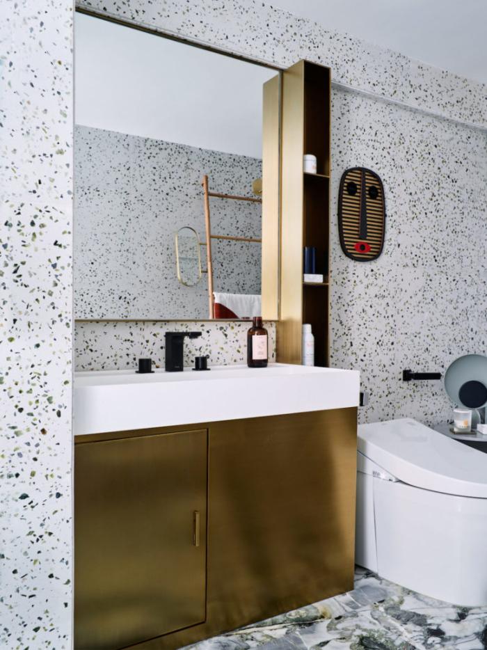 Designerwohnung in China Badezimmer Waschtischschrank mit einem goldenen Finish Blickfang