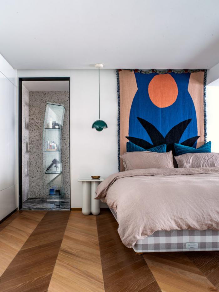 Designerwohnung in China Schlafzimmer gemütlich einladend kleine Details Nische Beleuchtung