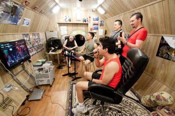 Diese Mars-500 Crew verbrachte 520 Tage in Isolation Hier sind ihre Tipps jungs spielen videospiele musik
