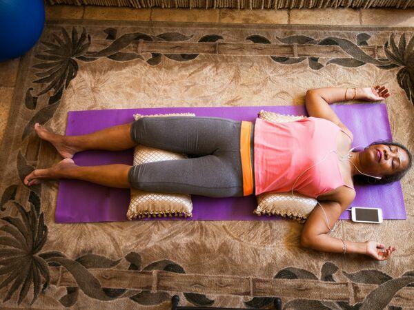 Entspannungstechniken Sport zu Hause treiben