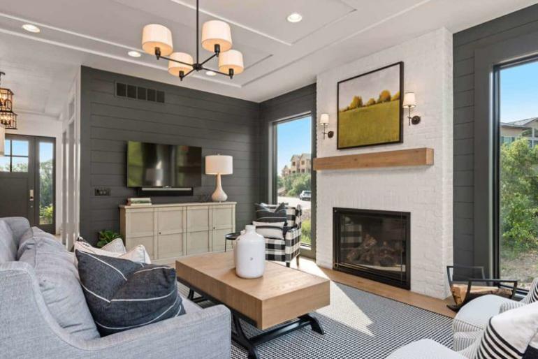 Gemütliches Bauernhaus in Colorado Springs behagliches Wohnzimmer typische Bauernhauselemente mit moderner Ästhetik gepaart