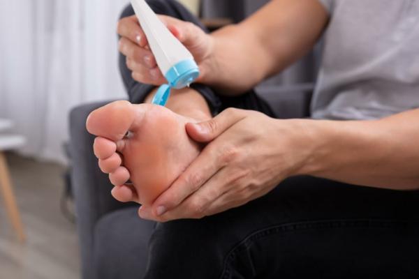 Hornhaut entfernen Schwielen Fußhaut