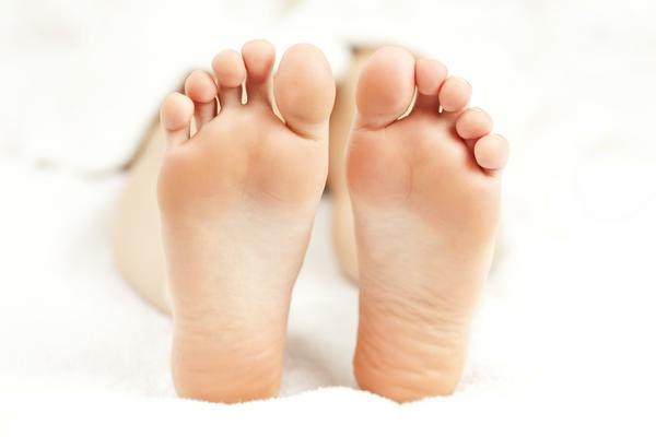 Hornhaut entfernen Schwielen an den Füßen